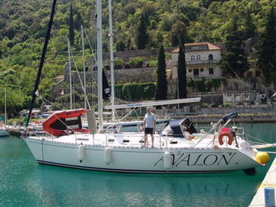 Sale the yacht Dufour 43 Classic