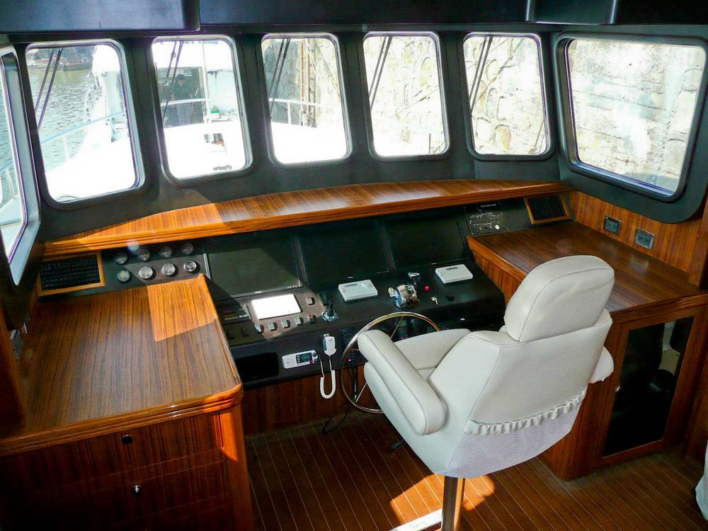 Sale the yacht bering trawler 55 anjumal foto 6
