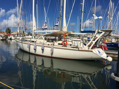 Sale the yacht Amel Super Maramu 2000 «Life is good»