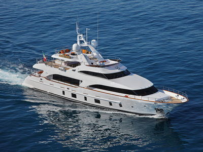 Sale the yacht Benetti Tradition 105' «BT023»