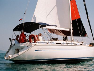 Sale the yacht Bavaria 42
