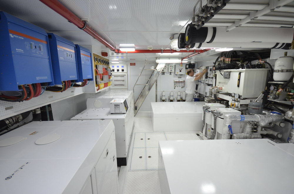 Yacht for sale > motor yacht Bering 80 Veda for sale