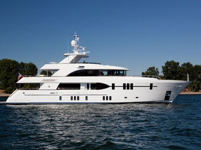 Sale the yacht Ocean Alexander 120