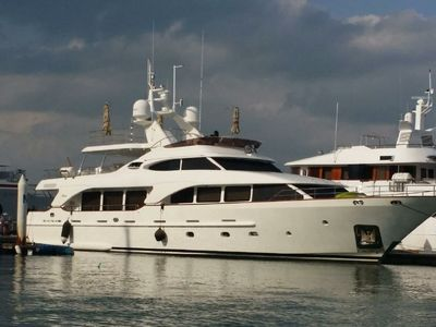 Sale the yacht Benetti Tradition 100